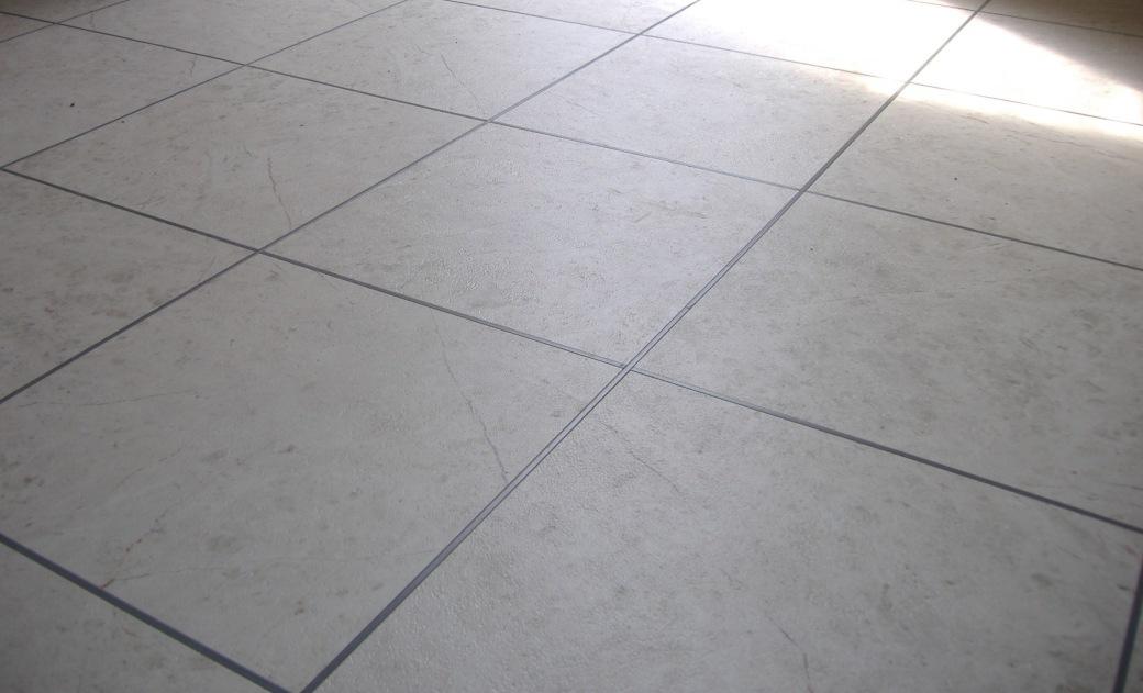 Lem kayu dan lem hpl Crona - lantai vinyl tile