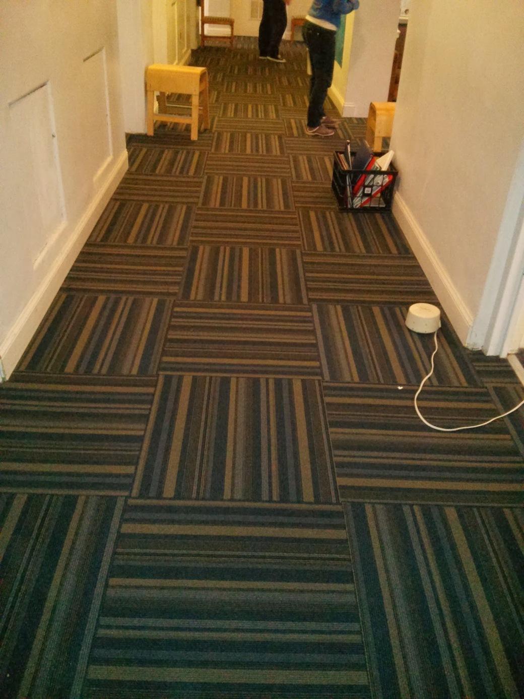 Lem kayu dan lem hpl Crona - model karpet pola karpet