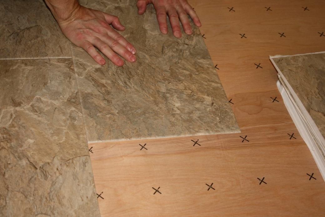 Lem kayu dan lem hpl Crona - vinyl lantai tile keramik