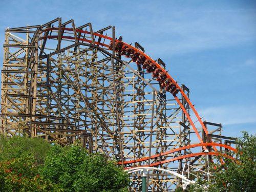 Lem kayu dan lem hpl Crona - commons.wikimedia.org Goliath at Six Flags Great America 14696979368 e1608019694861