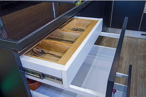 Lem kayu dan lem hpl Crona - Untitled design 2021 05 04T233135.025 e1620146168666